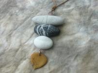 stones pendant 3