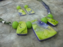 watercolor necklace w earrings green violet 4 closeup