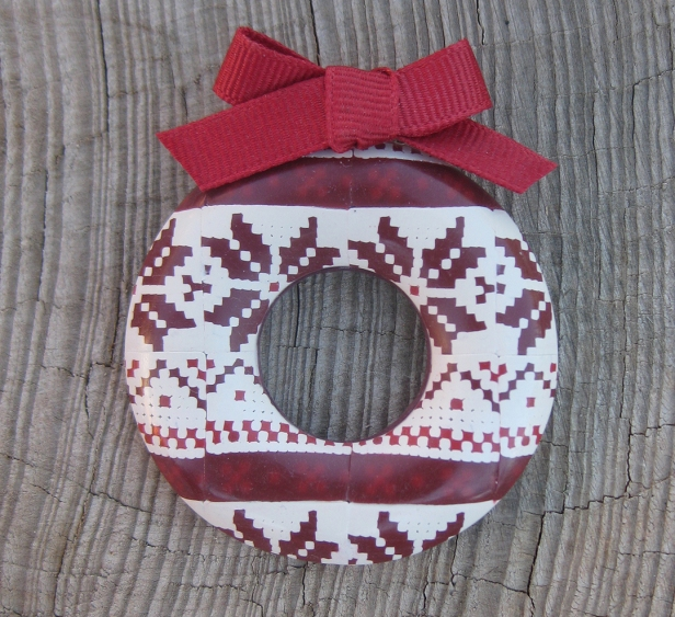 christmas-sweater-wreath-pin-cropped