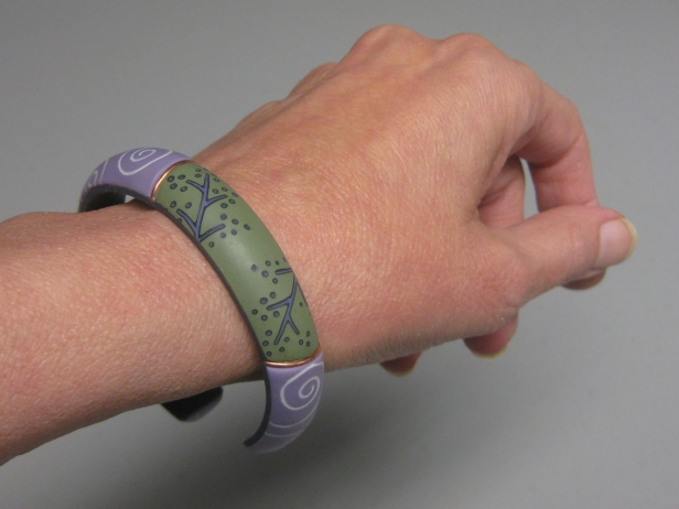memory wire bracelet on wrist top