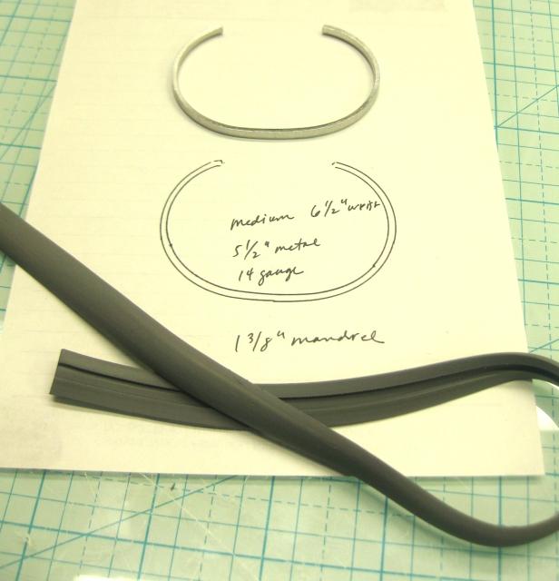 snake w bracelet pattern