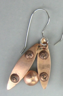pattern earrings back with curlicues
